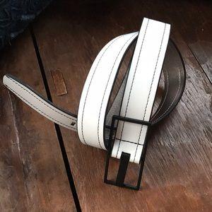 CALVIN KLEIN White w/ Black Leather Belt - SZ M